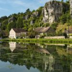 Camp familial situé au bord de l'Yonne